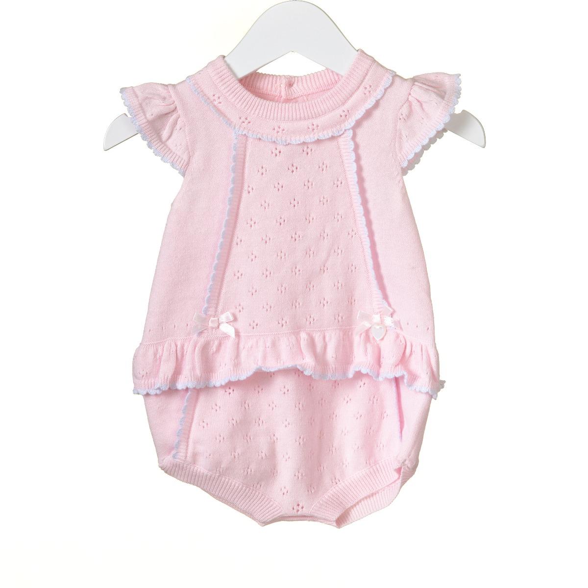 Roze gebreid babyrompertje
