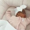 Newborn muts met strik wit en roze lint