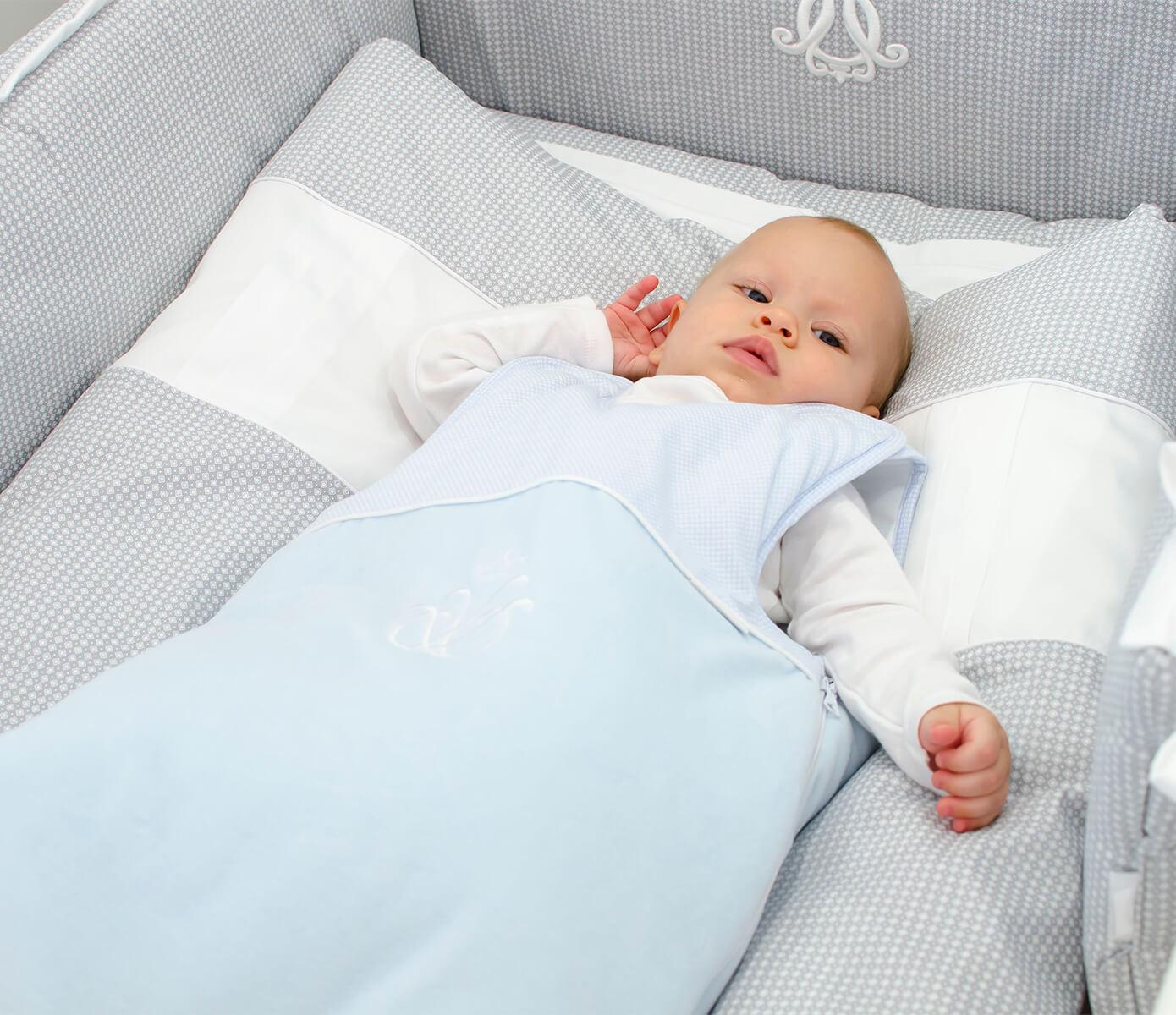 Blauwe velours Royal Monogram slaapzak