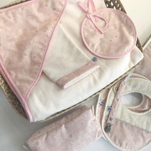 Flower chic set roze: badcape, washand & slabbetje