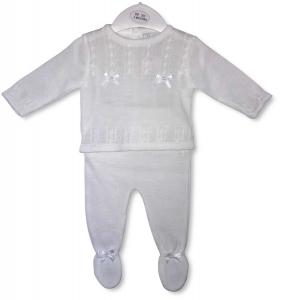 Gebreid babypakje met strikjes wit