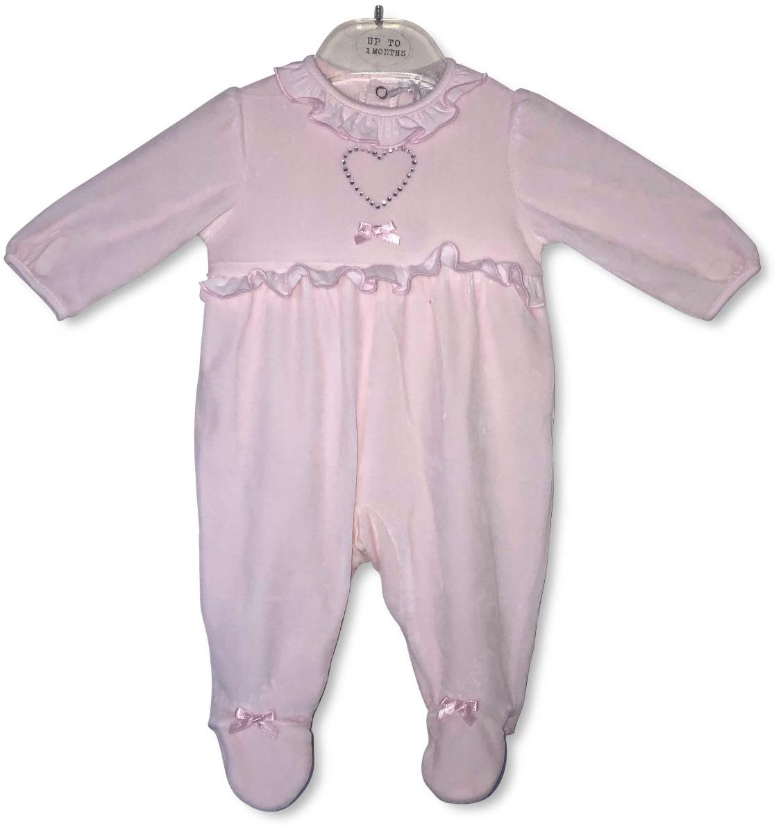 Roze velvet babypakje met hartje & steentjes