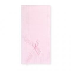 Roze gebreid dekentje met strik