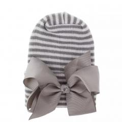 Newborn muts grijs wit met grijze strik van lint extra warm