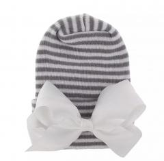 Newborn muts grijs wit met witte strik van lint extra warm