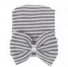 Newborn muts met strik grijs wit gestreept